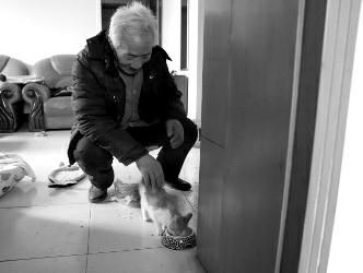 Mr Chen having met the cat after saving him