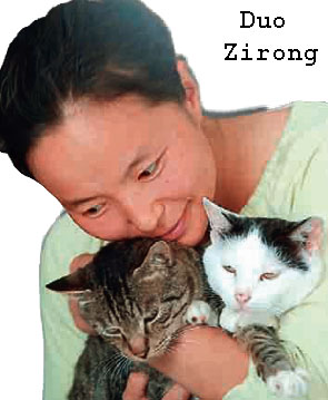 Duo Zirong a cat rescuer in China