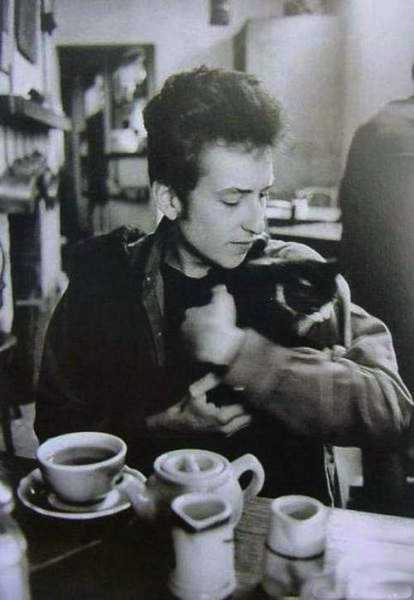 Bob Dylan with cat 1