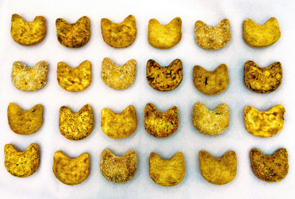 Rice crackers in the shape of cat's head