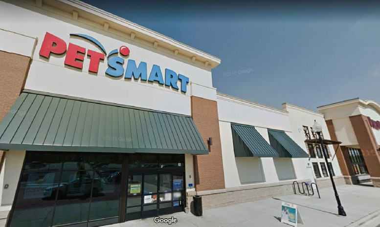 Man asks PetSmart is they'd allow him to adopt a cat to feed his python