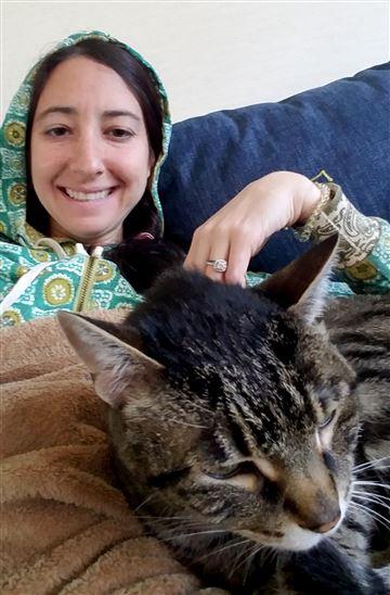 woman steals cat