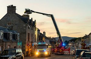 Firemen try and rescue cat from chimney and close town for 4 hours