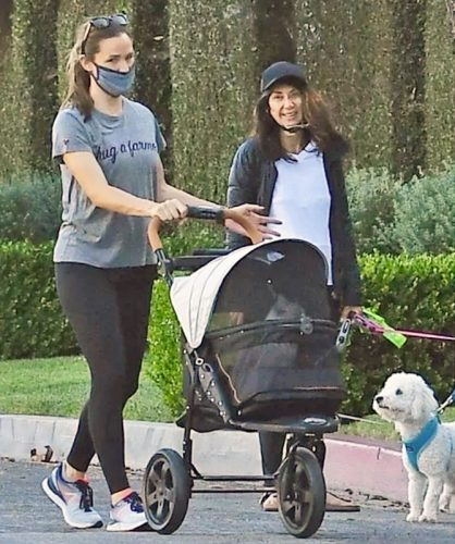 Jennifer Garner with cat stroller