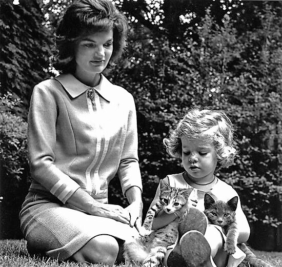 Tom Kitten - the cat on the right - with Jackie Kennedy and Caroline her daughter