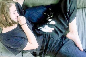 Rape victim learned to forget her trauma with the help of a kitten she adopted