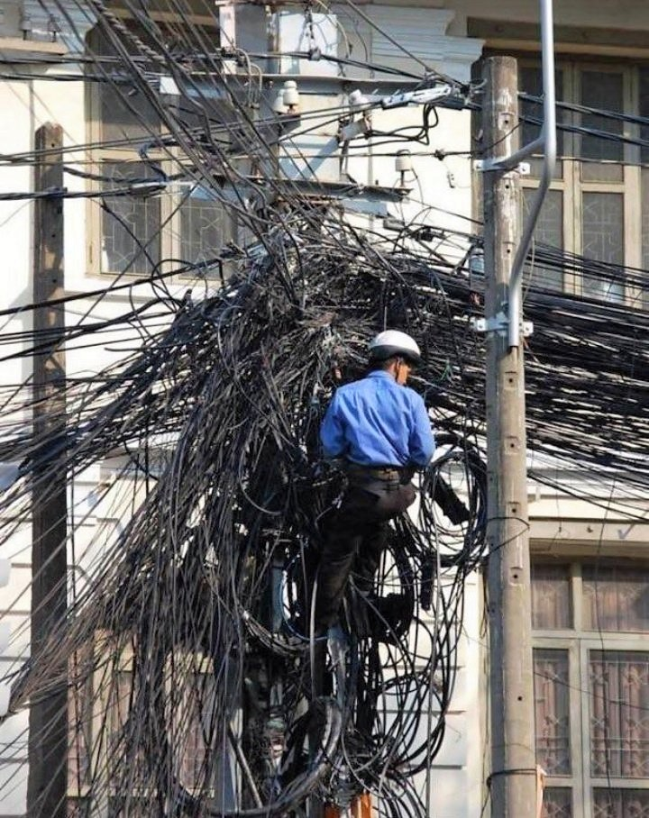 Mark Zuckerberg trying to fix, WhatsApp, Facebook, Instagram outage